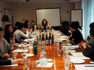 Tutoring-on-Japanese-food-and-sake-marketing-at-the-Japan-Local-Government-Centre-CLAIR-001